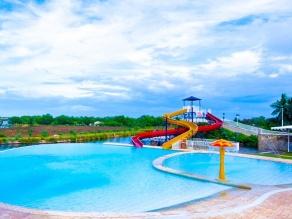 Espacio Verde Resort's Pool and Slides